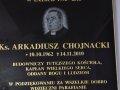 tablica_pamiatkowa_ks_arkadiusza_4