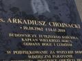 tablica_pamiatkowa_ks_arkadiusza_1